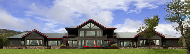 Estancia Tres Valles Fly Fishing Lodge