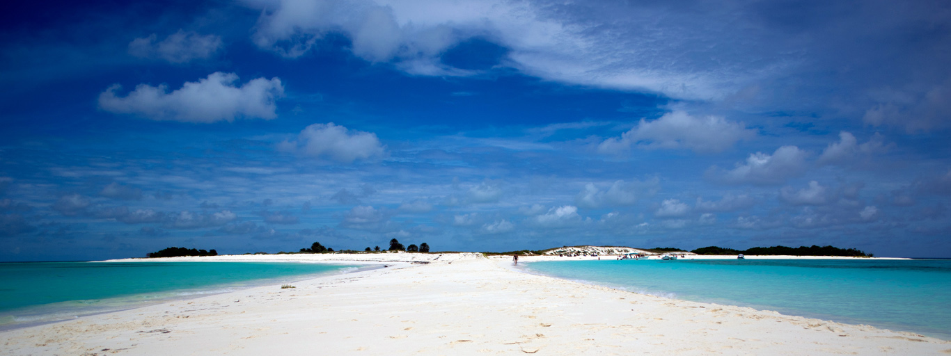 Los Roques Bonefish beaches fly fishing vacation